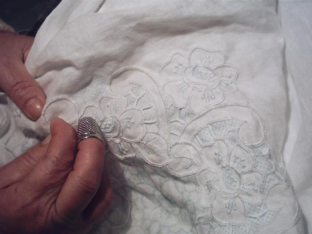 ricamo-italiano-italian-embroidery-Maria-Tiricamo