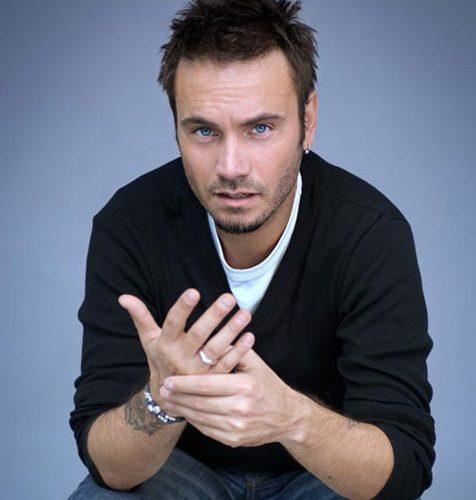 nek-cantante-italiano-con-gli-occhi-blu-ci-sei-tu-album-la-vita-e