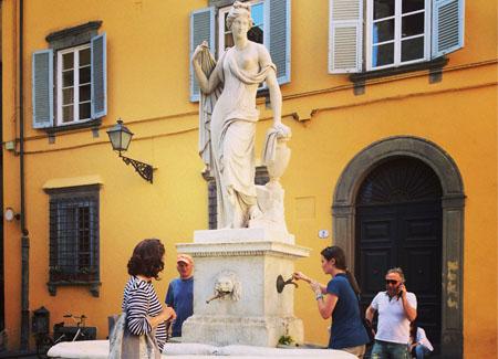 Lucca2014_StudentessaMatta8