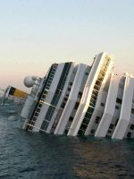 Naufragio-Giglio-Costa-Concordia-sinks-off-Italian-Coast