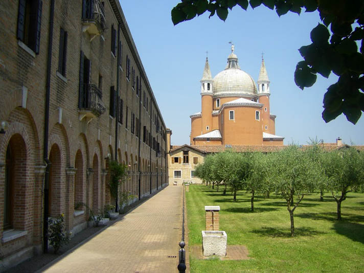 isola-giudecca-redentore-church-built-thanks-saving-venice-from-plague