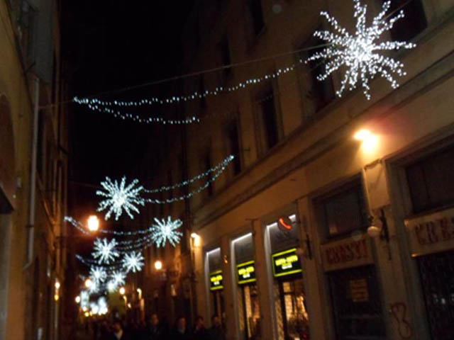 luci-firenze-natale-mercatino-santa-croce-foto