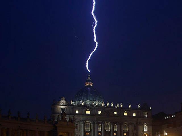 papa-si-dimessa-Pope-Benedict-XV-resigns