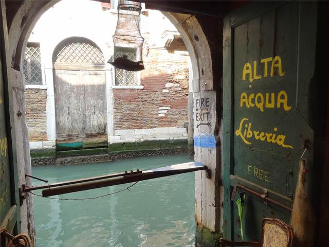 Alta-Acqua-Libreria-Venezia-oltre-libri-trova-magia