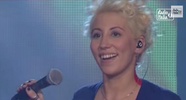 malika-ayane-prima-cosa-bella-cantante-italiana-bella-voce-sorriso-contagioso