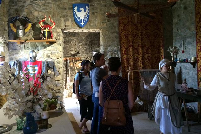 italian-podcast-la-fortezza-verrucole-medieval-fort-garfagnana-mountain