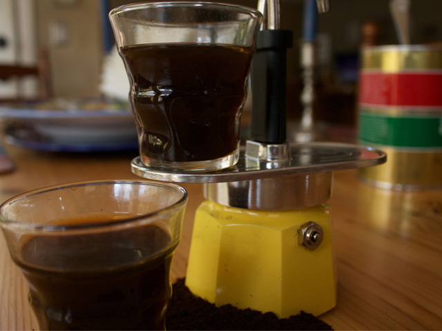 bialetti-italian-coffee-pot-caffetteria-italiana-youtube-video-demontration