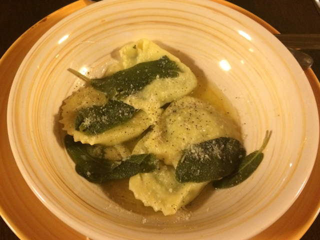 Ringraziamento-Thanksgiving-Italian-style-recipe-Ravioli-sage-turkey-breast-rosemary