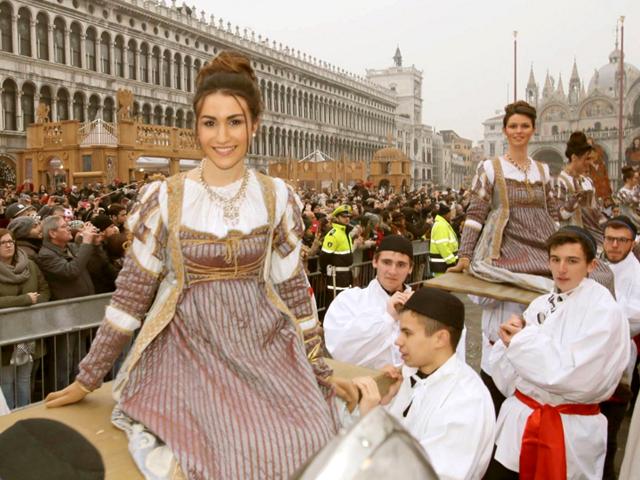 venice-carnival-festa-dodici-marie-festival-twelve-maria