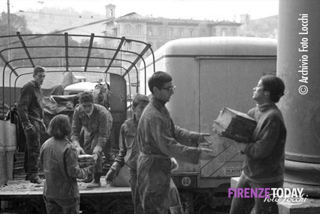 angeli-fango-tribute-mud-angels-50th-anniversary-florence-flood