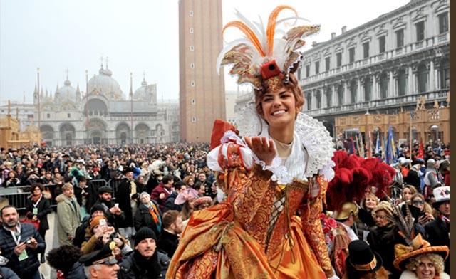 italian-chat-carnival-masks-costumes