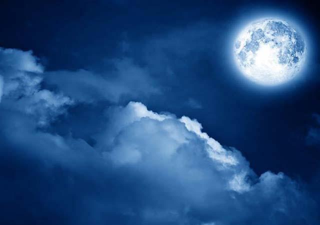 luna-piena-storta-luminosa-Noemi-espressioni