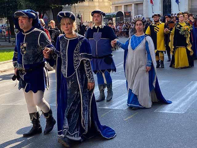 Italy-Travel-Arezzo-Giostra-Saraceno-Cultura-Italiana-Language-School-Immersion-Studentessa-Matta